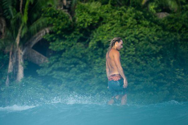 Francisco Surfing - Costa Rica
