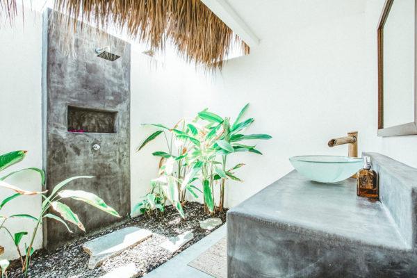 Guatemala Retreat Bathroom