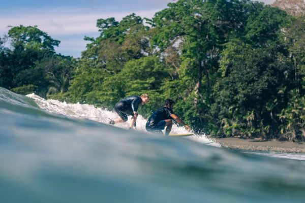 Party Wave - Costa Rica