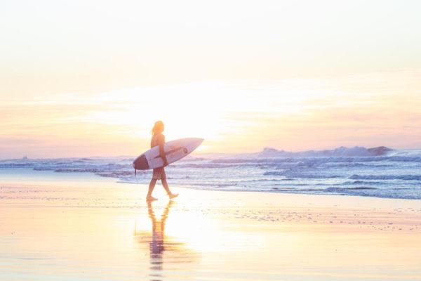 Sunset walk with surfboard - Guatemala