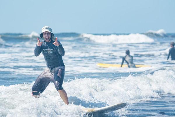 Thumbs up wave - Guatemala